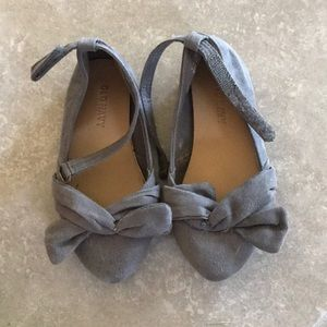 Super cute✨ Toddler Old Navy Grey Flats